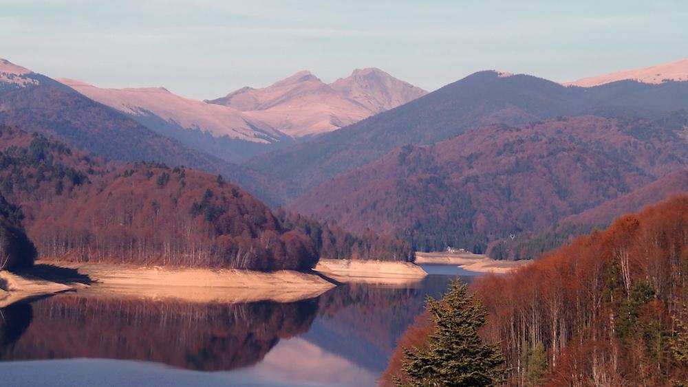 Jazero Vidraru, Rumunsko